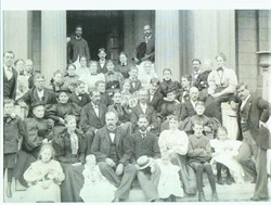 Photo of the school population in the 1800s